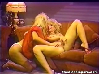 Hot lesbie muff juices