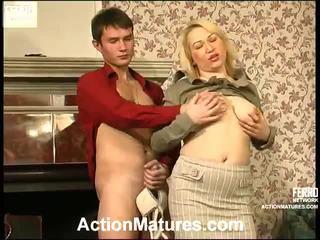 Fierbinte acțiune maturitate video starring christie, vitas, sara