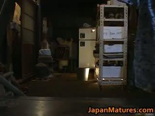 Chisato shouda aktris mini etek kuliste part6