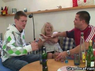 mmf, grand-mère, les mamans et les garçons