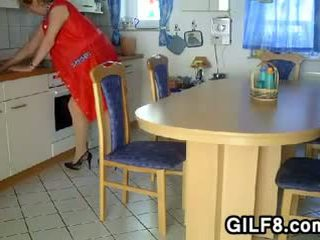 Oma being fisted im die küche