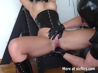INTENSE SQUIRTING FIST FUCKING ORGASMS