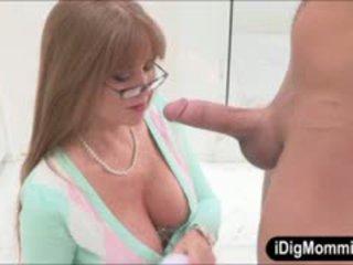 Krūtainas pamāte darla crane anāls fucked ar pusaudze pāris