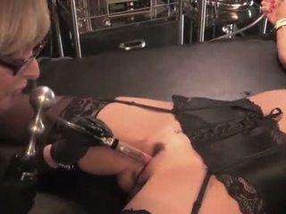Nina hartley toying 和 dominating 她的 媽媽我喜歡操 slut-25734 mp4574