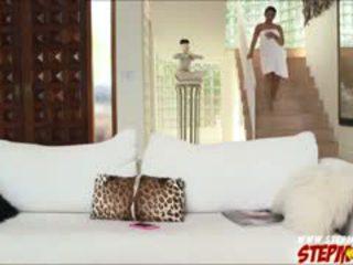 বিশাল চোট চুলের মেয়ে ada sanchez shares বাড়া থেকে সৎমা diamond kitty