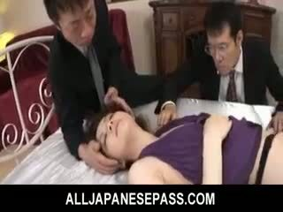 Rina koizumi chaud asiatique modèle en sexy bas gets baisée