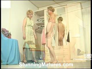 Christina a tobias excentrický maminka uvnitř akce