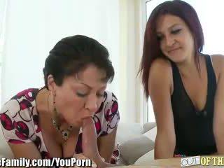 किशोर की उम्र मोम teaches उसकी को चूसना कॉक