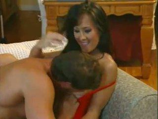 Asia carrera takes de sperma op haar bips