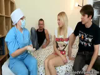 Losing لها virginity غير an مدهش حدث و natali wants إلى جعل ال معظم من هذا.