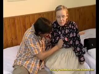 Extrémní chlupatý maminka needs hluboký anální pohlaví, porno a6