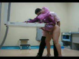 Arab baben i rosa gets henne fittor eaten ut sedan körd från bakom video-
