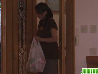 Rika gives jį vadovas į the virtuvė