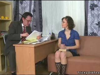 Şişman götten tutoring ile treyler kız