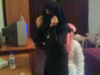 Koweit arab hijab 매춘부 호위 arab middle ea