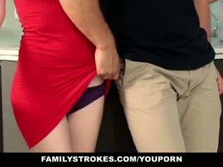 Familystrokes - 步 sister sucks 和 fucks 哥 中 thanksgiving dinner