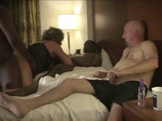 Mąż enjoys oglądanie amatorskie rogacz żona huśtawka.
