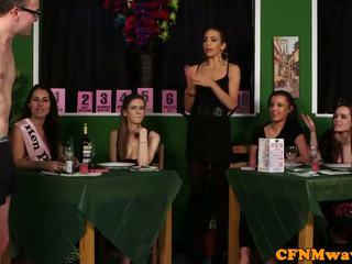 Женска доминация облечена жена гол мъж reverse банда bang към waiters