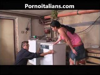 Italiana porno vídeos - idraulico scopa casalinga troia italiana italiana italiana