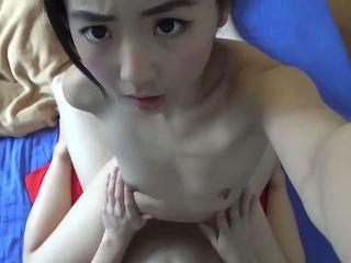 Asiática bonita jovem grávida hardcore fodido