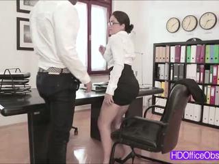 Fierbinte secretara valentina nappi inpulit de lui sef inauntru the birou