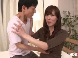 Sexy japonez reiko fucks pentru obține o perfect score
