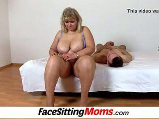 Duży cycki amatorskie grubaska mama anna cipka licking cunnilingus