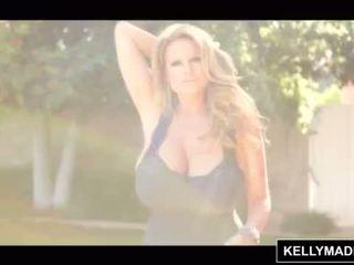 Kelly madison poolside 거대한 자연의 가슴 <span class=duration>- 15 min</span>