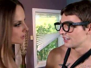 брюнетка, оральний секс, підлітковий вік