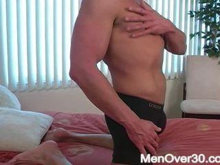 Clyve から menover30
