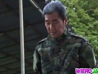 Wierd japan: hapon inang kaakit-akit got tied up at tortured naked
