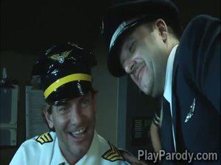 Kåt pilot gets heldig med stor ræv blond passenger