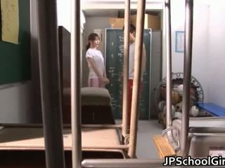 Καυτά ιαπωνικό κορίτσι του σχολείου σεξ βίντεο