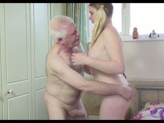 Het gammal människa n ung tik