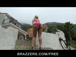 Abbey Brooks - BIG OILY ASS & TIT BLONDE MILF TAKES ANAL ASS FUCK OUTDOORS W/ TO