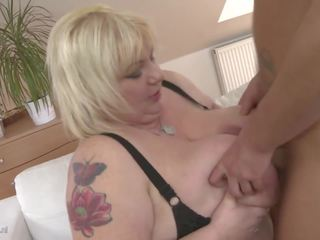 Big Busty Mom Halina Fucks Small Young Son: Free HD Porn aa