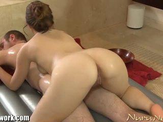Brandon nash gets nuru μασάζ από angelina mylee