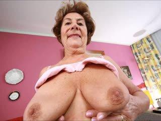 velká prsa, babičky, matures