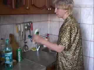 Blowjob trong nhà bếp