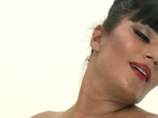 Shazia sahari lost 在 lust 土地