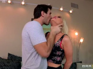 Alexis ford happiness į slavery video