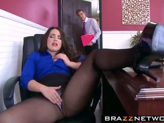 Liels butty boss lola wants līdz būt fucked tāpat a paklīdusi sieviete viņa