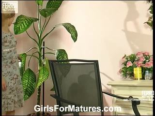 Tessa og katrine leve jente på jente elder handling