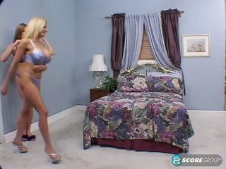Kelly madison lana lotts और the चीज