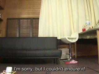 Subtitled amatør japansk pee desperation failure i hd