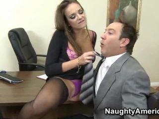 Nika noire ir a krūtainas porno maniac