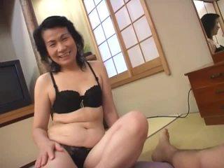 Madura asiática puta loves chupando peluda rabo