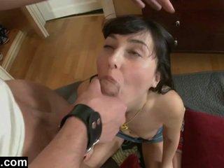 Euro giovanissima gf primo anale pounding