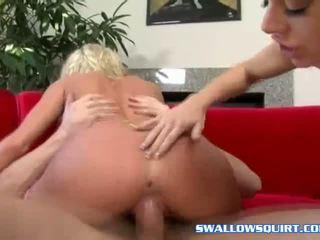 Angela 石 helping bree olsen 在 噴 遊戲