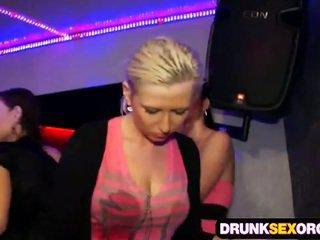 Shocking seks party vol van dronken kuikens